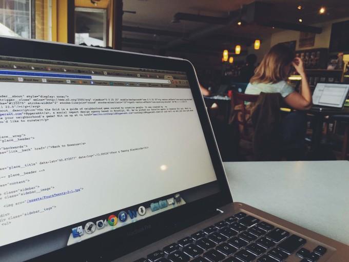 今年こそ学びたい!6つのサービスでプログラミングを学んで場所や時間に囚われない生き方を