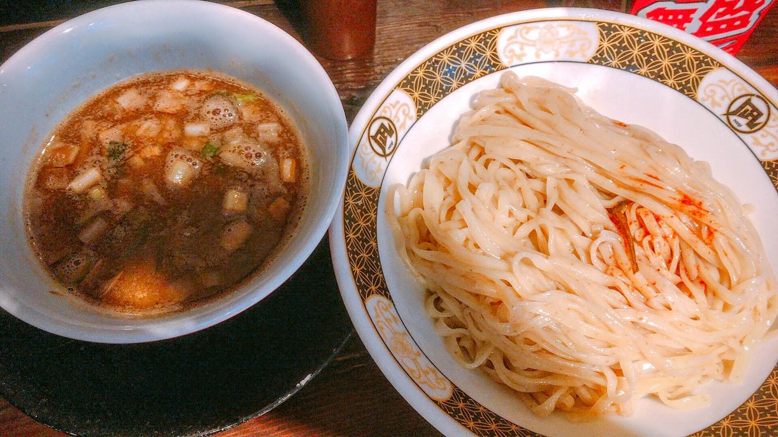 煮干しのにおいが食欲をそそる!「すごい煮干ラーメン凪 渋谷東口店」